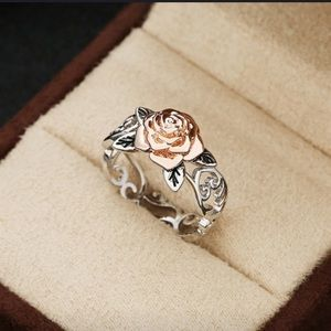 NIB / Exquisite Two Tone Silver Ring Size: 8